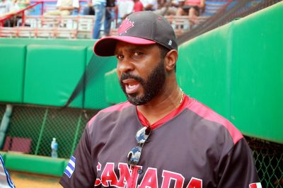Devon White: No he visto en MLB a un pelotero cubano que no sea bueno